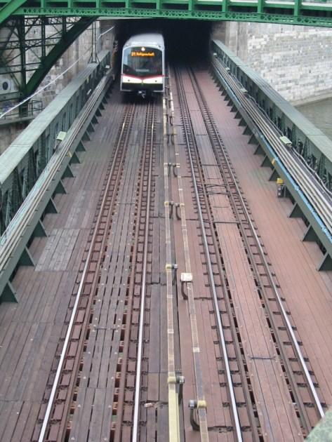 U4 Brücke über den Wien-Fluss