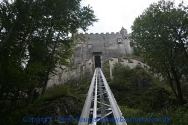 Burg Hohenwerfen mit der Drahtseilbahn zur Burg