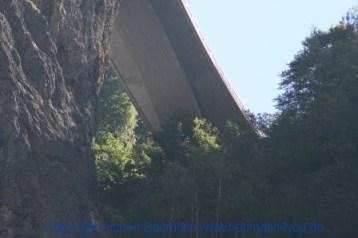 Liechtensteinklamm 581 Blick aus der Klamm auf die Straße nach Großarl