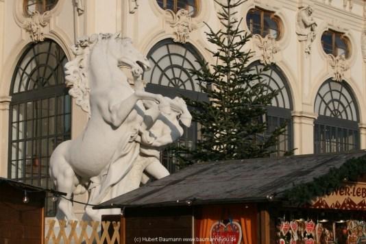 2012-12-Wien 011-Adventsmarkt-Belvedere