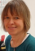 Porträtfoto von Petra Schulschenk (Verwaltungsangestellte)