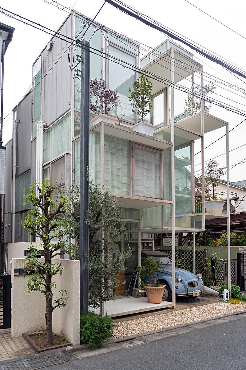 """Blick auf das """"House NA"""" von Sou Fujimoto im Beitrag Tokio: Gebauter Zeitgeist auf Stadterkundung.com"""