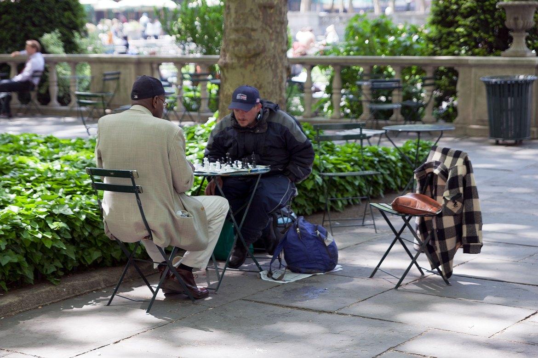 Schachspieler im Bryant Park, Manhattan auf der Seite Stadterkundung.com