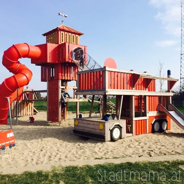Feuerwehrspielplatz Breitenlee Donaustadt Spielplatz