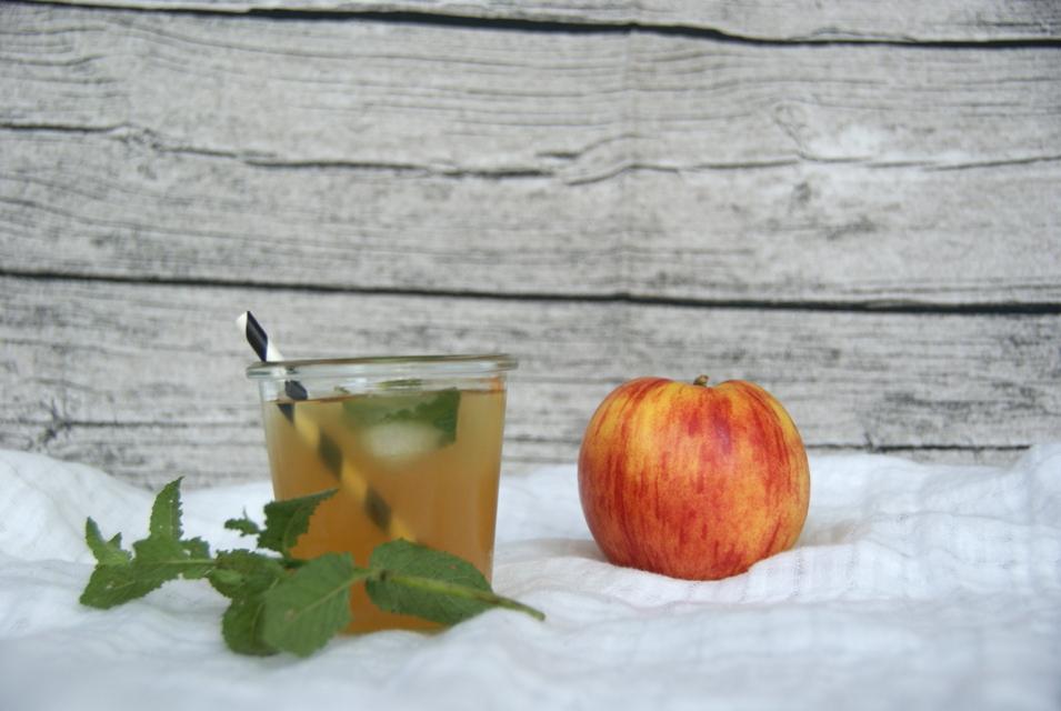 Apfel Kamillen Eistee selber machen