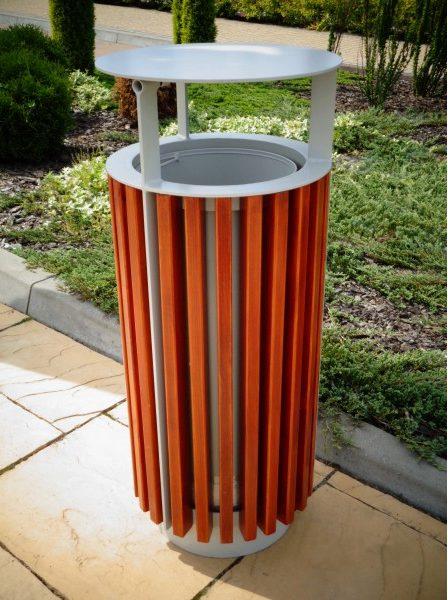 Abfallbehälter aus Holzelementen KO-43