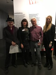 Harald Naegeli besuchte die Eröffnung, Julia Zinnbauer vom Museum und Olaf Güttler und Glenda Mense aus dem Kuratorenteam freuten sich