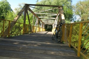 Die Holzbrücke über den Zehlendorfer  Stichkanal