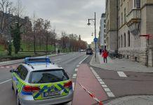 Vollsperrung am Hansering: Am Dienstagvormittag war bei der Polizei in Halle eine Bomnebdrohung gegen das Landgericht eingegangen. (Foto: xkn)