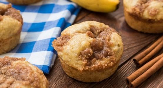 Mini-Banana-Muffins-704x454