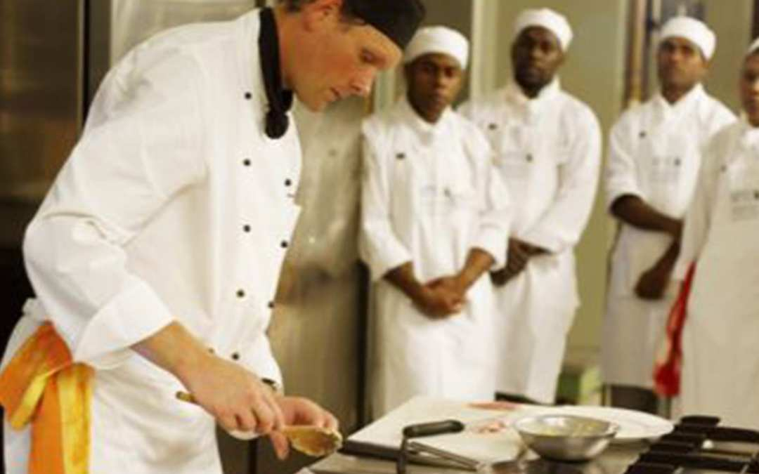 Help enhance the attractiveness of apprenticeships schemes in the European hotel and restaurant sector!
