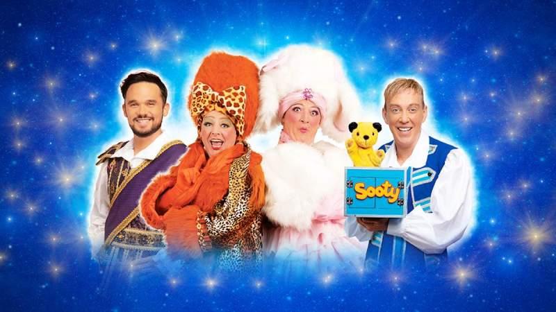 Theatre Royal Nottingham panto cast 2019 2020