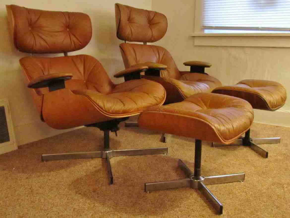 Eames Chair Reproduction | Wooden Table With Black Chairs ...