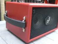 Side handle, the amp can be placed on two sides