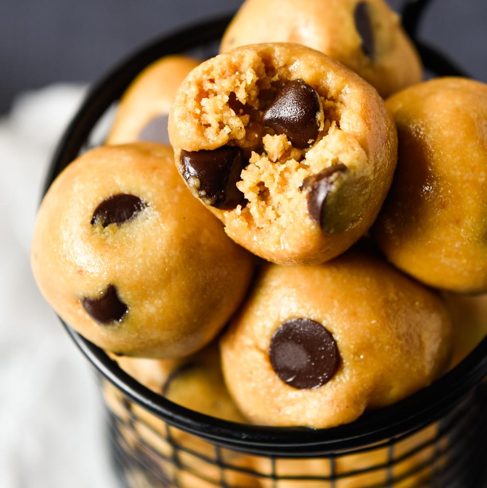 PB Cookie Protein Bites