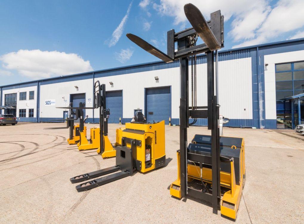 Reach Truck vs. Counterbalance Forklift Truck
