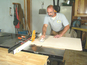 How To Cut A Dado By Hand