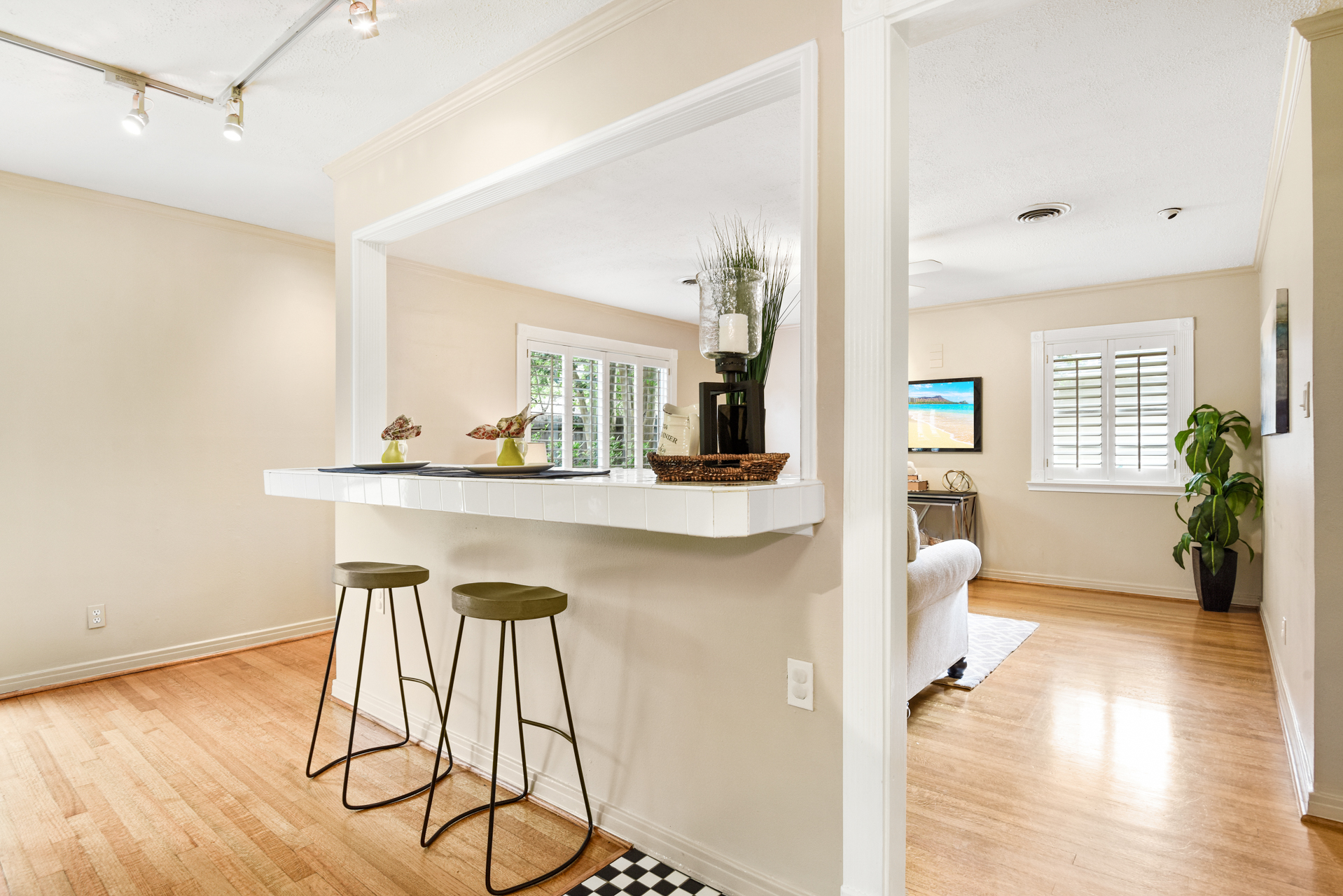 Staging The Nest - Vacant Home Staging - Island