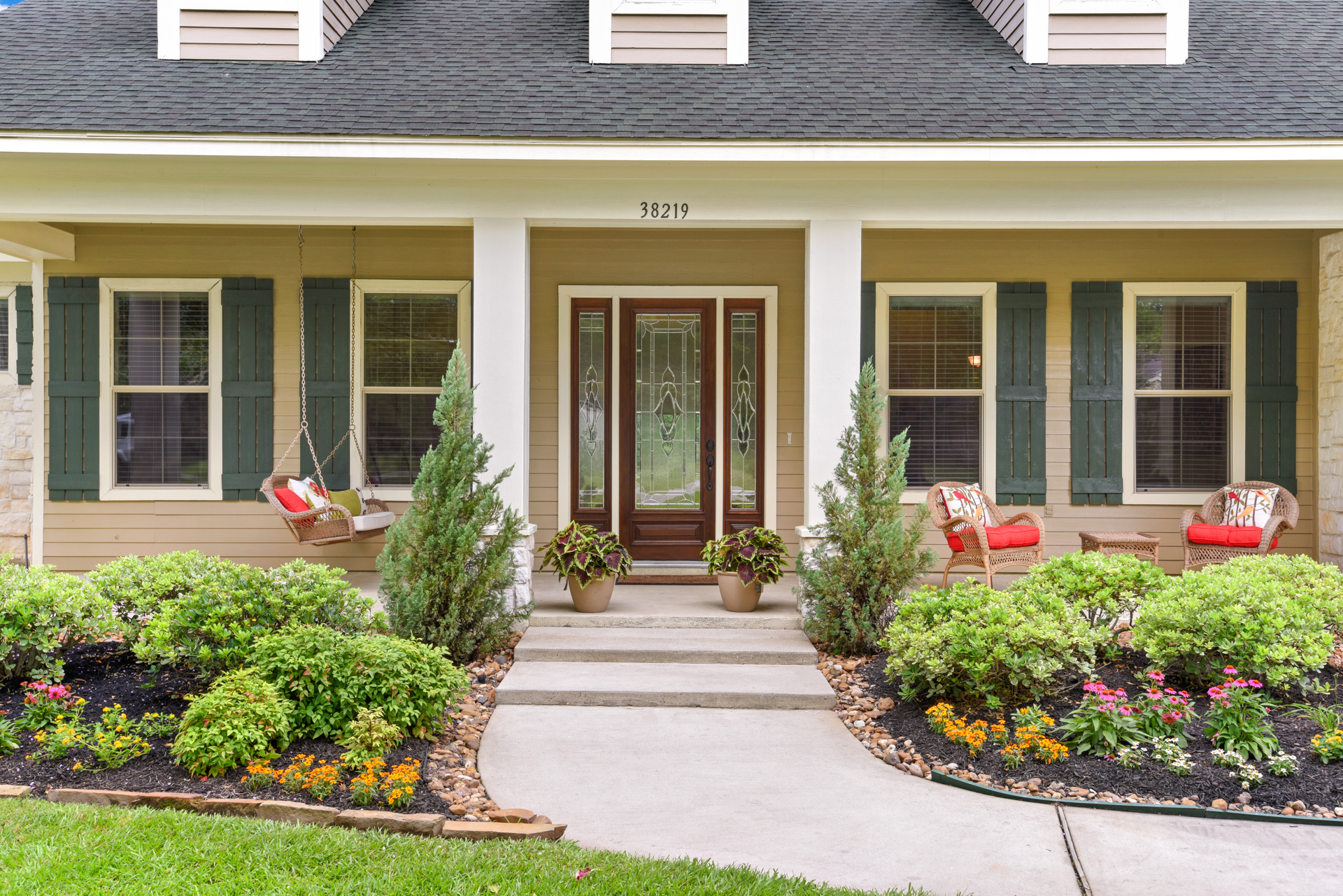Staging The Nest - Vacant Staging - Exterior