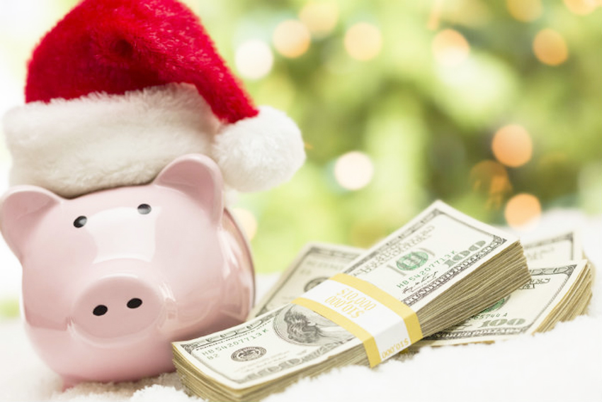 Prepping Finances for Holiday Spending | STAINED COUTURE