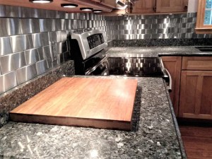 2.5x6 Accent Woven 3D Stainless Steel Backsplash Project
