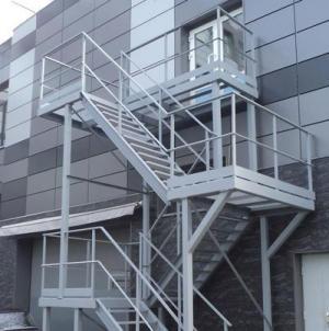 External evacuation ladders
