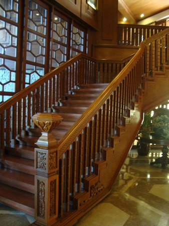 coco wood stairs images_14