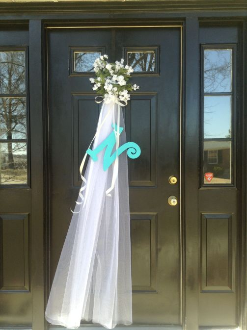 decorate the front door to the wedding_2