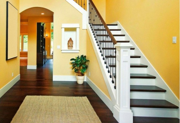design of the staircase should match the color scheme of the area or premises