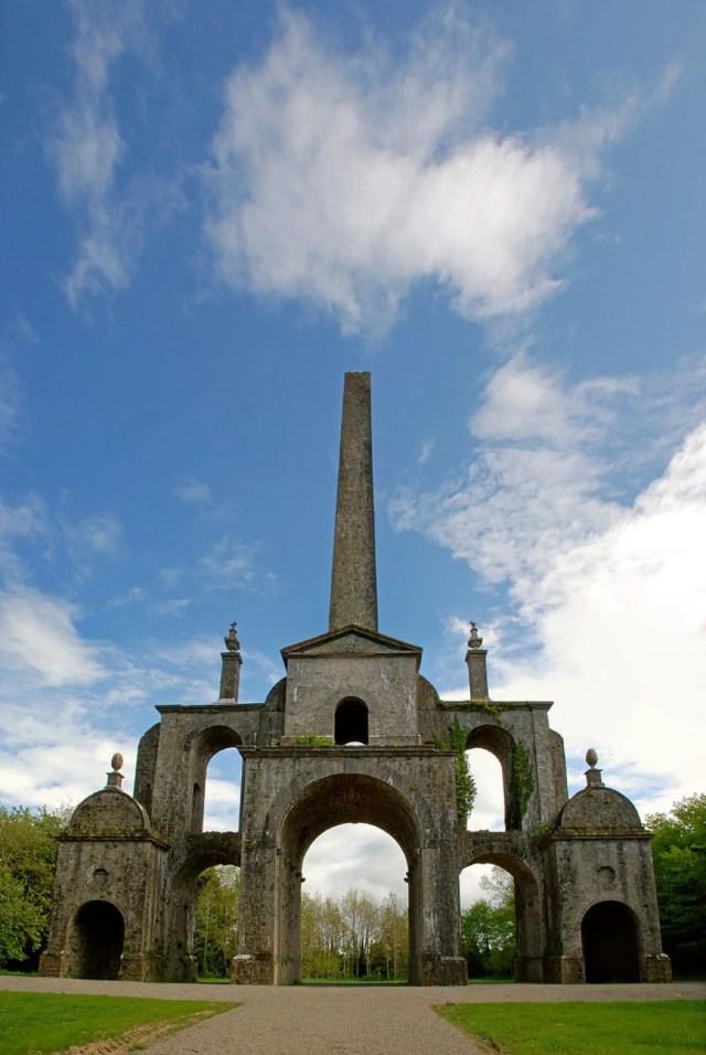 800px-Conollys_Folly_-_the_obelisk