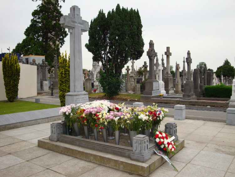 ireland-county_dublin-dublin-glasnevin_cemetery-michael_collins_01