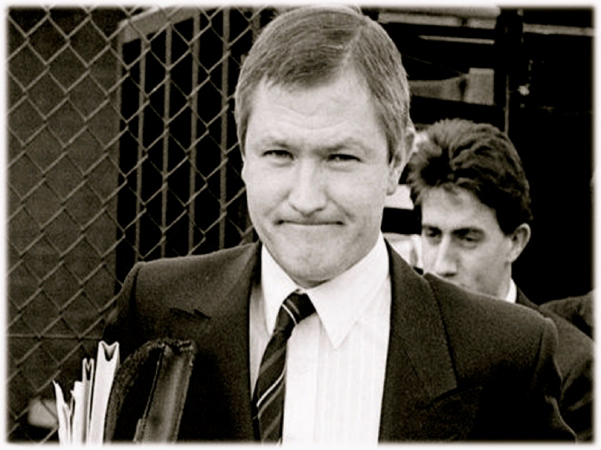 #OTD in 1989 – Patrick Finucane is murdered by Unionist assassins.