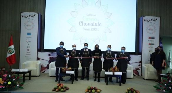 premiación de minam a emprendedores en salón del cacao