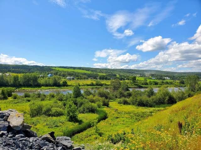 vallee beauceronne vue sur la riviere Chaudiere
