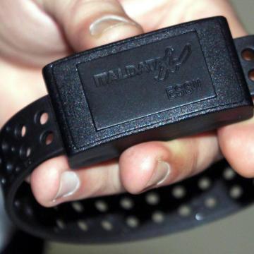 Uomini, allargate gli abiti: arriva il braccialetto elettronico