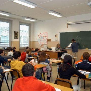 Il femminismo suprematista ed LGBT all'assalto della scuola