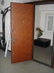 двери на лестничную площадку с обивкой винилискожа заказать от Сталь Статус