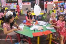 中秋节制作环保灯笼比赛 (2)