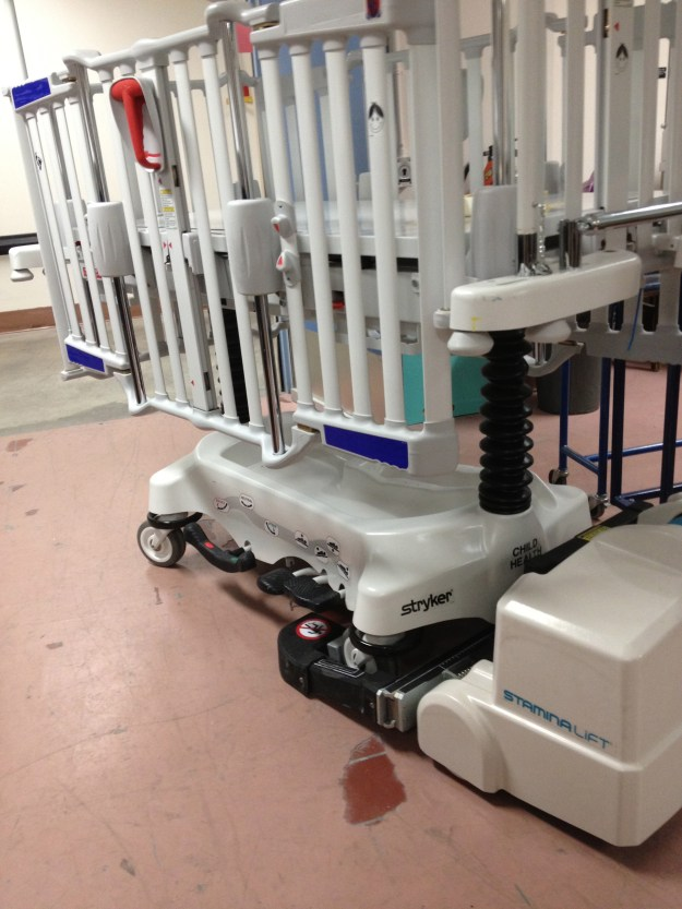 Cub Paediatric Crib by Stryker