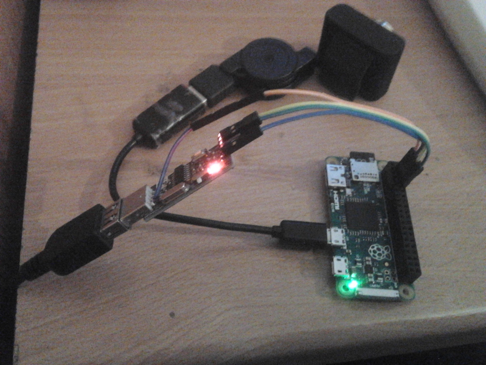 hight resolution of in that thread you can also see the three port usb hub with ethernet microb connector from pimoroni