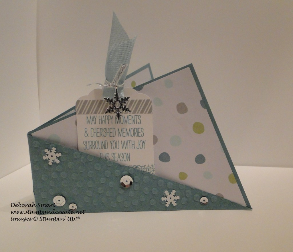 Angle pocket card