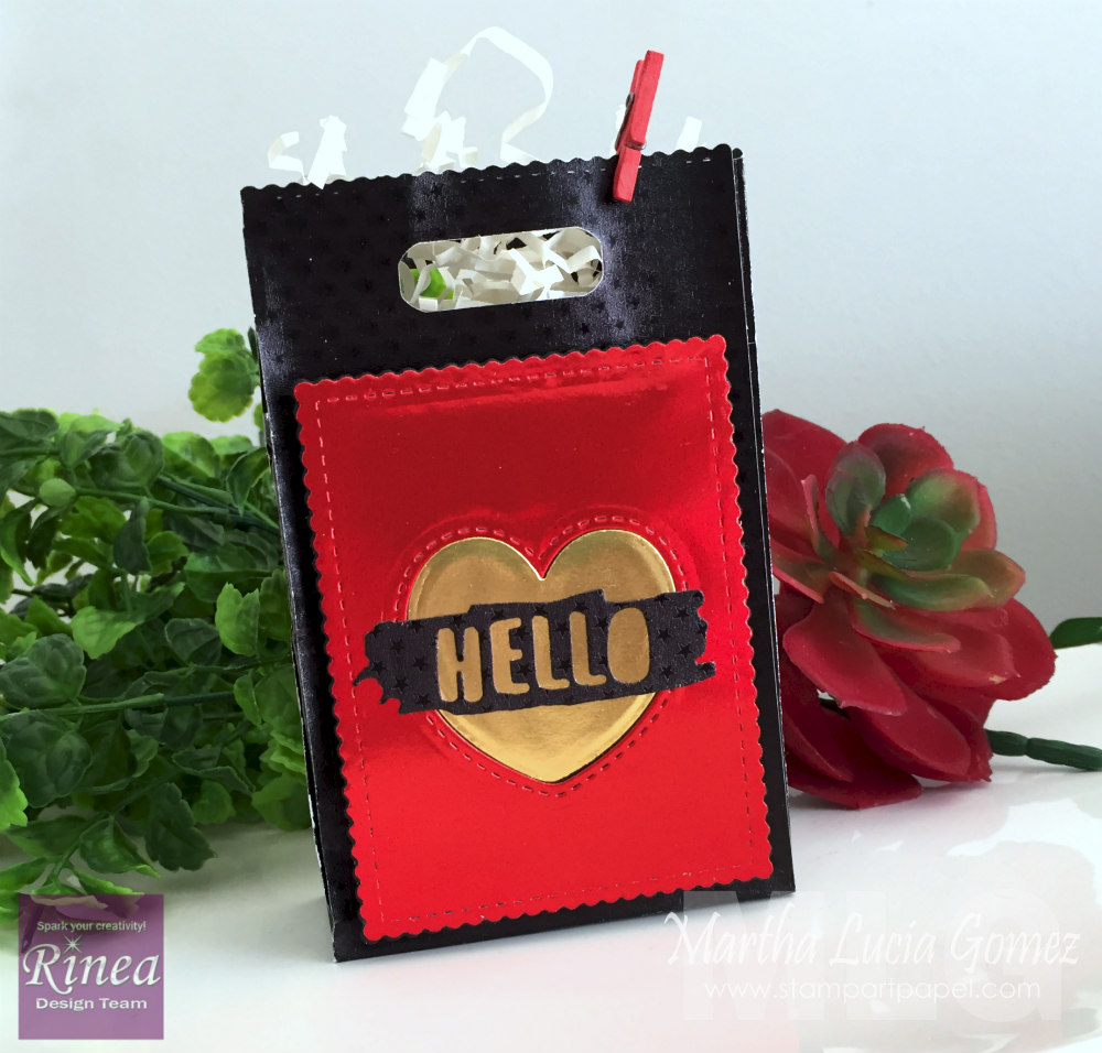 GIFT BAG WITH RINEA FOILED PAPER