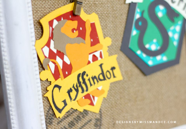 Harry Potter Hogwarts Crests Die Cuts