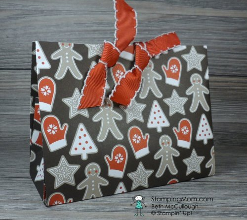 Candy Cane Lane Christmas Gift Bag designed by demo Beth McCullough. Please see more card and gift ideas at www.StampingMom.com #StampingMom #cute&simple4u