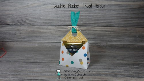 Stampin Up Double Pocket Treat Holder 6x6 made with Candy Cane Lane DSP, designed by demo Beth McCullough. Please see more card and gift ideas at www.StampingMom.com #StampingMom #cute&simple4u