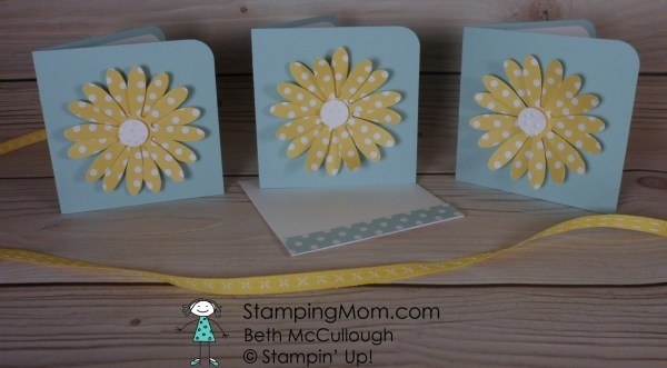 Stampin Up Daisy punch makes adorable 3x3 cards and envelopes designed by demo Beth McCullough. Please see more card and gift ideas at www.StampingMom.com #StampingMom #cute&simple4u