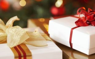 Christmas_wallpapers_Beautiful_Christmas_gifts_011398_