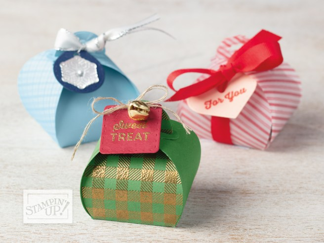 Samples of the mini curvy keepsake box from Stampin' UP