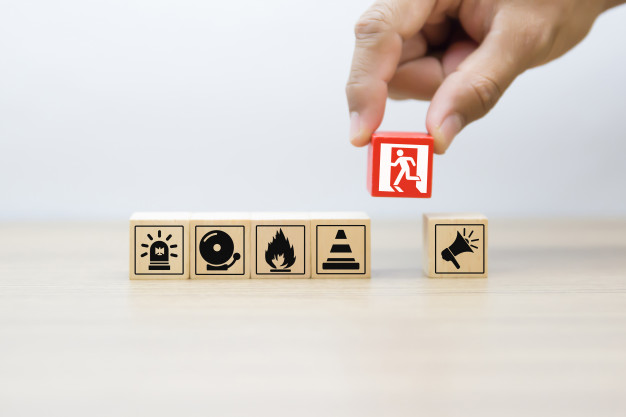 wood-block-with-fire-safety-icons_101448-282