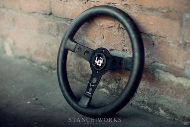 Magnus Walker MOMO Steering wheel urban outlaw (3)